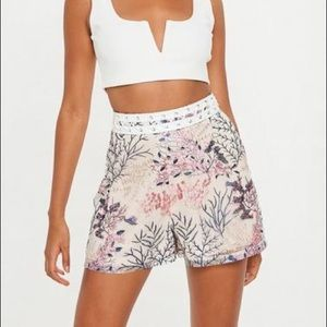 Missguided Cream Floral High-rise Shorts